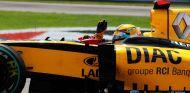 Kubica, al volante del R30 en 2010 - SoyMotor.com