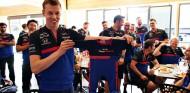 Daniil Kvyat y el regalo de Toro Rosso - SoyMotor