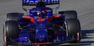 """Kvyat: """"Me gustaría estar cerca de Sainz en pista y ganarle"""" - SoyMotor.com"""