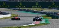 Charles Leclerc y Daniel Ricciardo en la pretemporada 2020 - SoyMotor.com