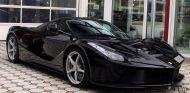 Este Ferrari LaFerrari Fernando Alonso luce en un discreto color negro - SoyMotor