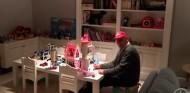 Mercedes recuerda al Niki Lauda más humano en un emotivo vídeo - SoyMotor.com