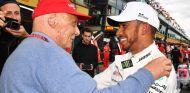 Niki Lauda y Lewis Hamilton en el GP de Australia 2018 - SoyMotor.com
