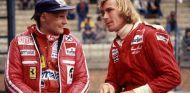 Niki Lauda y James Hunt durante el GP de Bélgica de 1977 - SoyMotor