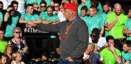 Niki Lauda y el equipo Mercedes en Austin - SoyMotor.com