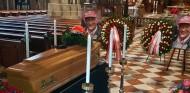 Miles de personas acuden hoy al funeral de Niki Lauda en Viena