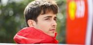 Leclerc insinúa que no aceptará cualquier orden de Ferrari - SoyMotor.com
