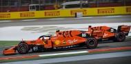 Charles Leclerc adelanta a Sebastian Vettel en el GP de Baréin F1 2019 - SoyMotor