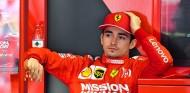 "Ferrari dejó a Leclerc ""un poco abandonado"" en China, según Horner - SoyMotor.com"