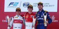 Leclerc sobrevive al caos y gana la carrera 1 de Bakú - SoyMotor.com