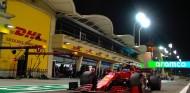 Leclerc a su paso por boxes en Baréin - SoyMotor.com