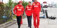 Binotto insiste en que Vettel conserva la prioridad en Ferrari - SoyMotor.com