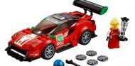 Lego lanza un Ferrari 488 GT3 ¡con Christina Nielsen en el interior!