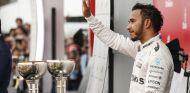 Lewis Hamilton en el podio de Suzuka - LaF1