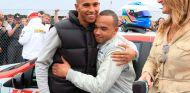 Lewis y Nicolas Hamilton en Brands Hatch - SoyMotor.com