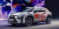 VÍDEO: Lexus UX, el primer coche tatuado del mundo - SoyMotor.com