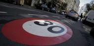 El nuevo límite de velocidad en poblado entra en vigor el 11 de mayo - SoyMotor.com