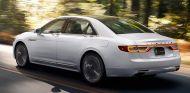 Ford también sabe hacer coches de lujo y el Lincoln Continental lo demuestra - SoyMotor