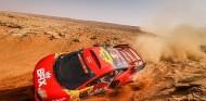 Sébastien Loeb y Daniel Elena dicen adiós al Dakar 2021 - SoyMotor.com
