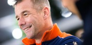 Loeb acerca posturas con Toyota para el Dakar 2021 - SoyMotor.com