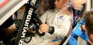 Sébastien Loeb se hace el asiento para el Hyundai - SoyMotor.com