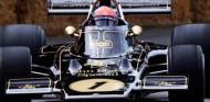 VÍDEO: Fittipaldi se emociona al volver a subirse al Lotus 72D - SoyMotor.com