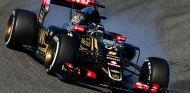 Grosjean con el E23 en Jerez - LaF1.es