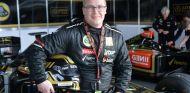 Lasse Lipponen en el box de Lotus del Paul Ricard - LaF1