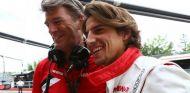 Graeme Lowdon y Roberto Merhi sonrientes en Canadá - LaF1