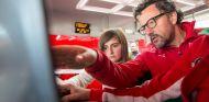 Baldisserri, en la foto con Marta Ariza, estaba al cargo de la Ferrari Driver Academy - LaF1