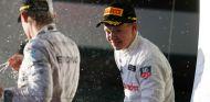 Kevin Magnussen acabó tercero en Australia, segundo con la descalificación de Ricciardo - LaF1