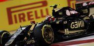 Pastor Maldonado con el Lotus E23 en Baréin - LaF1