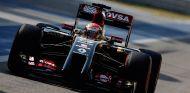 Pastor Maldonado en el Lotus E22, que equipa el V6 Turbo de Renault - LaF1