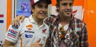 Marc Márquez posa junto a Fernando Alonso - LaF1.es