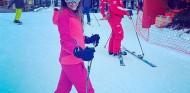 La mujer de Romain Grosjean, herida mientras esquiaba en Francia - SoyMotor.com