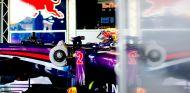 Mark Webber con el Red Bull RB9