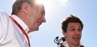 Comienza el pique Marko-Mercedes: ¿a quién le hacemos caso? - SoyMotor.com