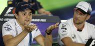 Felipe Massa (izq.) y Jenson Button (der.) en 2016 – SoyMotor.com