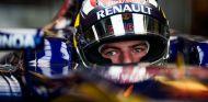 Max Verstappen gana confianza tras un buen debut - LaF1