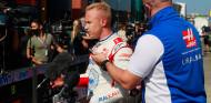Los pilotos de Haas, sin sanción por bloquear a Vettel en Q1 - SoyMotor.com