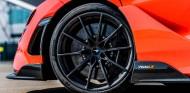 Pirelli P Zero Trofeo R en el McLaren 765LT - SoyMotor.com
