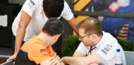 Pesadilla en McLaren: 14 empleados más aislados por coronavirus - SoyMotor.com