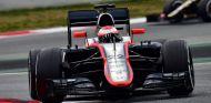 Jenson Button, hoy en el Circuit de Barcelona-Catalunya - LaF1