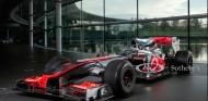 El McLaren MP4-25 de Hamilton, a subasta en Silverstone - SoyMotor.com