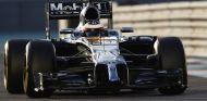 Magnussen durante los test de Abu Dabi con McLaren-Honda - LaF1.es