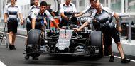 Alonso deberá remontar muchas posiciones el domingo - LaF1