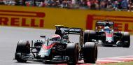 Jenson Button y Fernando Alonso en Silverstone - LaF1