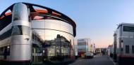 McLaren se cuida del coronavirus en los test de Barcelona - SoyMotor.com