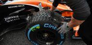 Pirelli habla con todos los equipos para hacer tests extra de mojado - SoyMotor