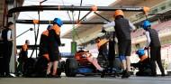 Los miembros de McLaren confinados vuelven ya a casa - SoyMotor.com